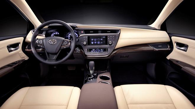 Toyota Avalon Hybrid Interior